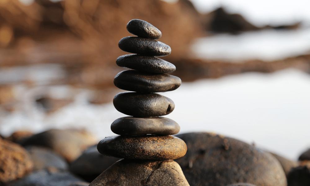 Stones pro bono haiku